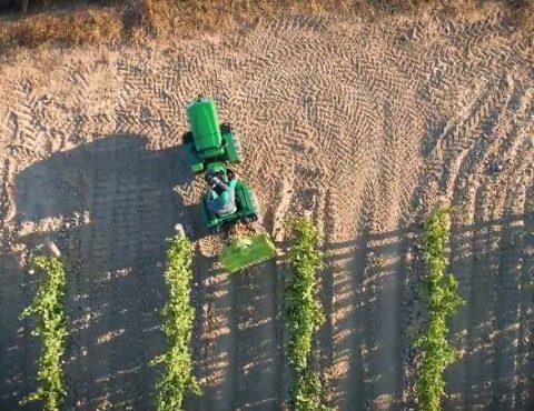 Agricultura maquinaria agricola imágenes con drones