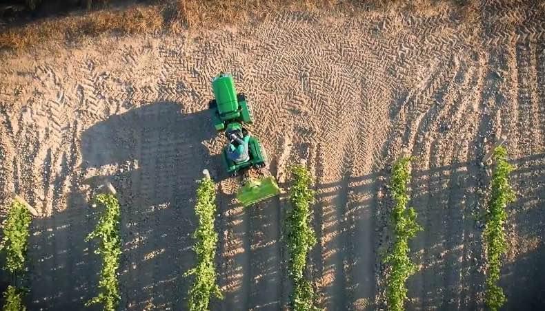 Maquinaria agricola drones agricultura